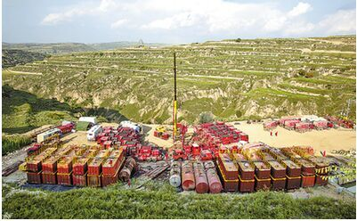 На северо-западе Китая обнаружено первое в стране месторождение, где в низкопроницаемых коллекторах содержится не менее 100 млн т запасов нефти
