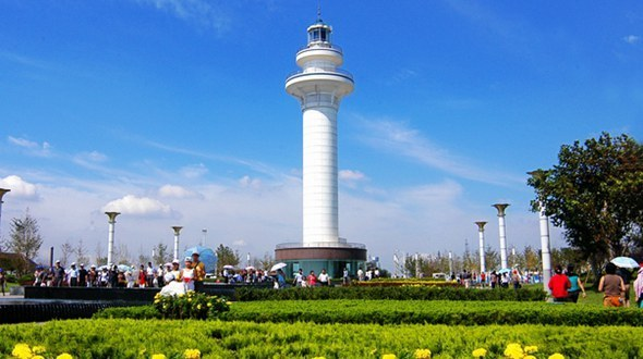 Живописный район вокруг маяка в городе Жичжао