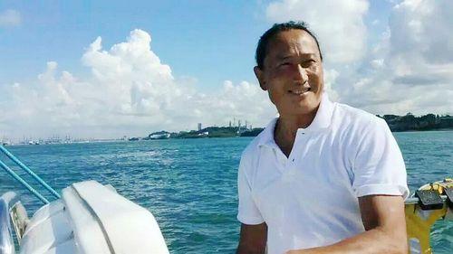 5 мая. Китайский мореплаватель Чжай Мо с друзьями на паруснике