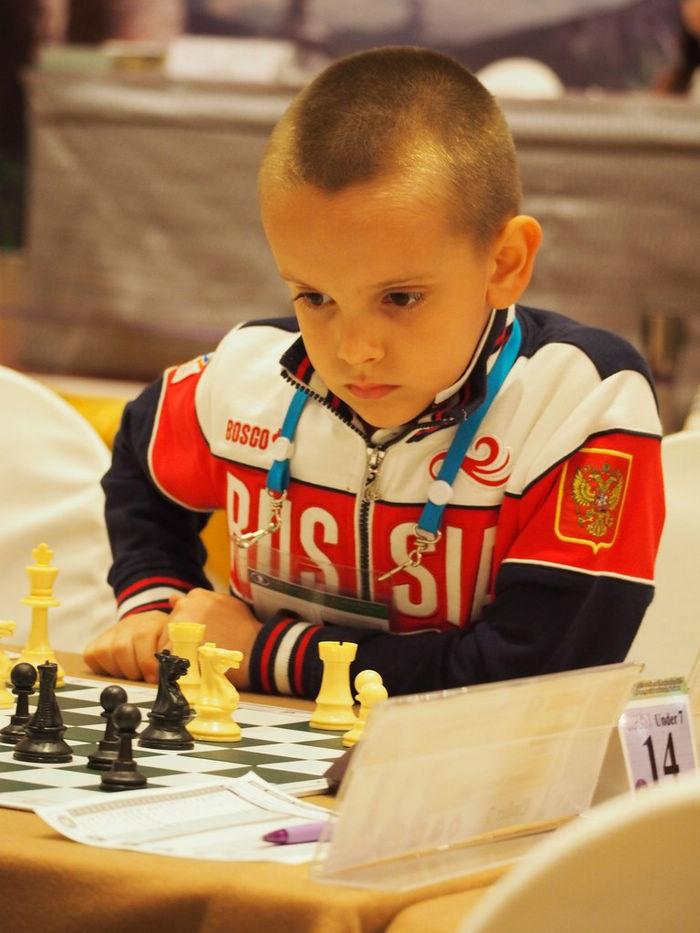 Гордей Колесов: история самого известного русского ребенка в КНР