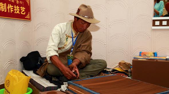 В Лхасе открылась 2-я выставка достижений защиты нематериального культурного наследия Тибета