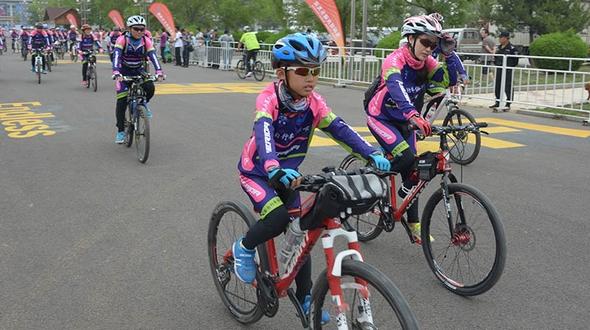 5000 велосипедистов собрались в уезде Яньцин, чтобы поддержать заявку на проведение Зимней Олимпиады