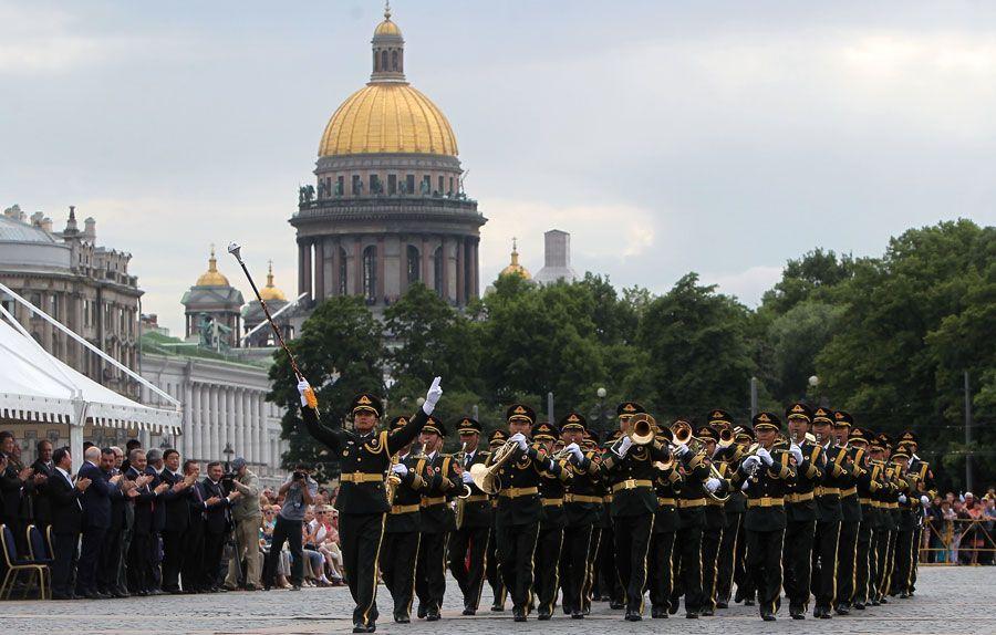 Военный оркестр НОАК выступил в Санкт-Петербурге