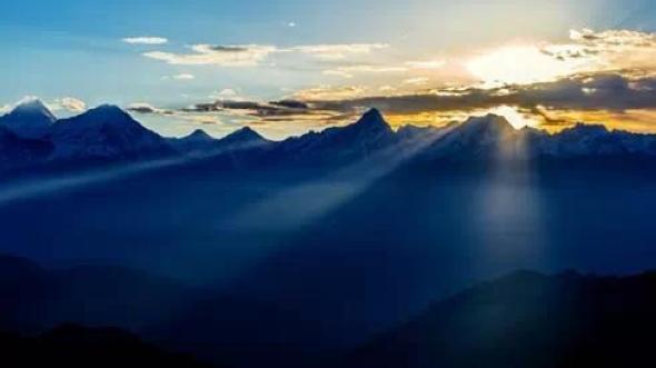 Прекрасные горы провинции Сычуань