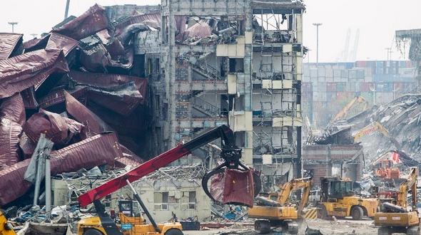 Число жертв взрывов на складе с опасными химикатами в Северном Китае возросло до 139 человек