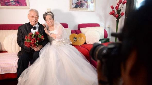 Волонтеры сделали свадебные фото ветеранов, участвовавших в войне Сопротивления китайского народа японским захватчикам