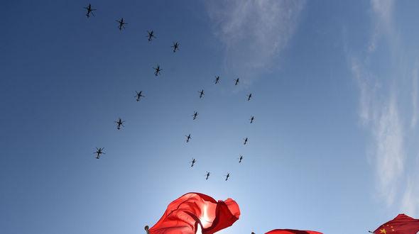 Юбилейное торжество по случаю 70-летия победы в войне Сопротивления китайского народа японским захватчикам и мировой антифашистской войне начинается (Видео)