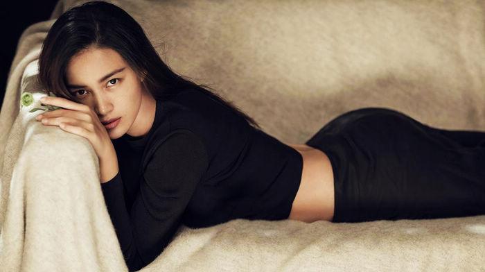 Известный фотограф Чэнь Мань попала на обложку модного журнала