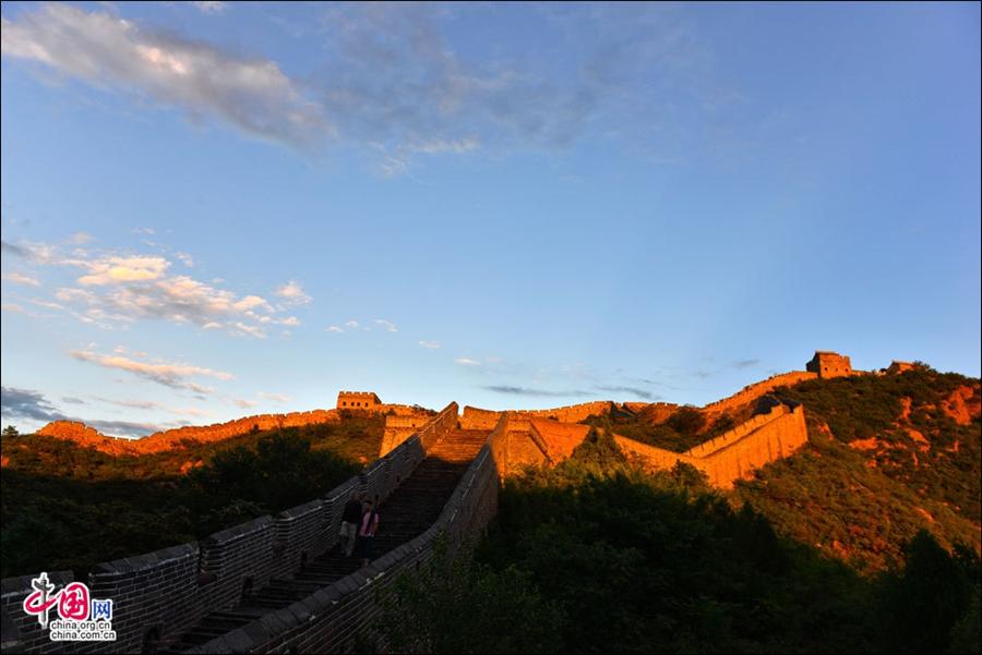 Величественные осенние пейзажи участка Великой китайской стены Цзиньшаньлина