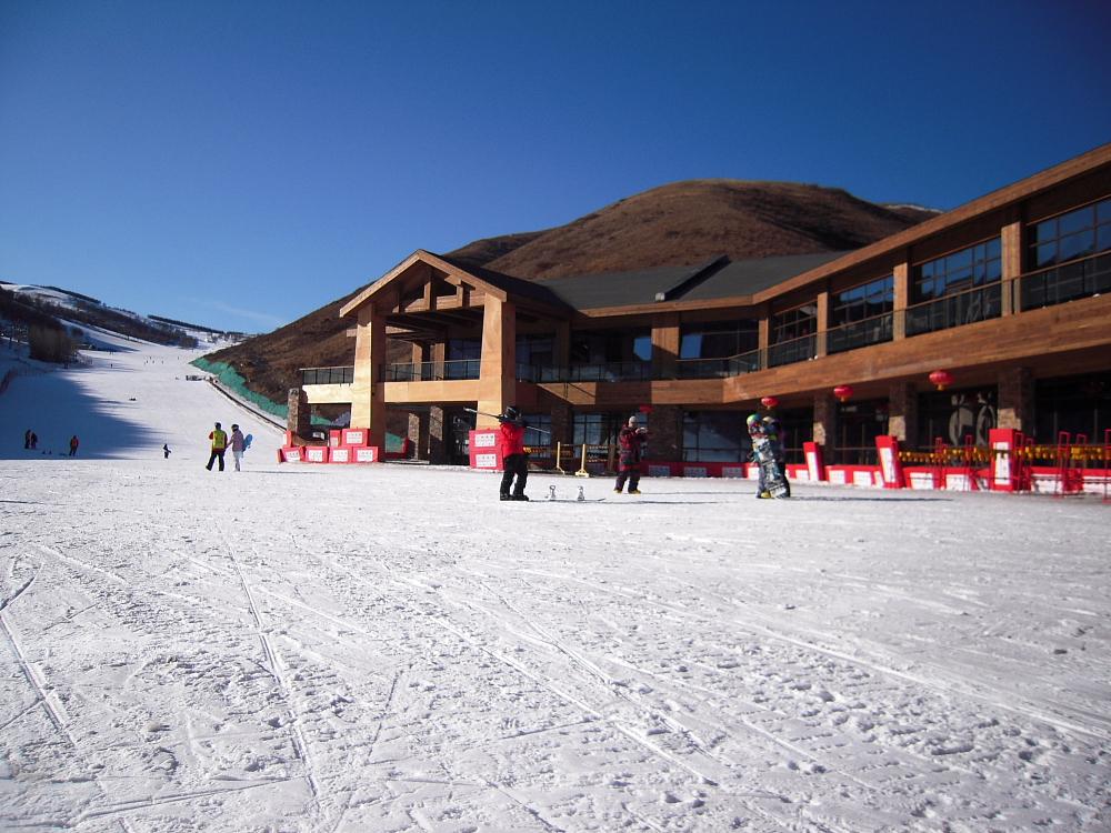 Северо-европейская горнолыжная база для прыжков на лыжах с трамплина (новый объект)