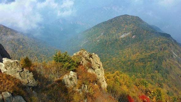Прекрасные осенние пейзажи на горах Улиншань