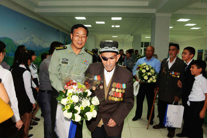 Советские ветераны из Узбекистана с теплом вспоминают об участии в антияпонской войне вместе с китайскими боевыми товарищами