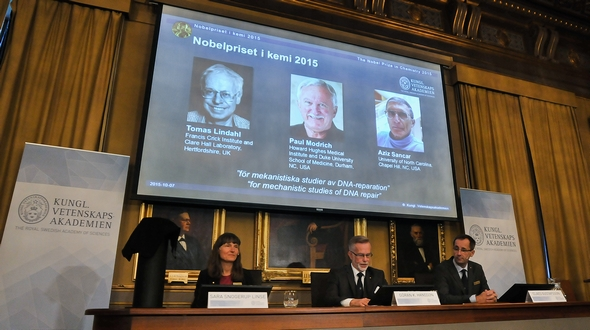 Ученые из Швеции, США и Турции удостоены Нобелевской премии в области химии