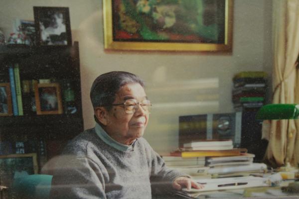 В Шанхае скончался известный китайский переводчик Цао Ин