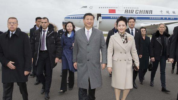 Си Цзиньпин прибыл в Париж на Всемирную конференцию по климату