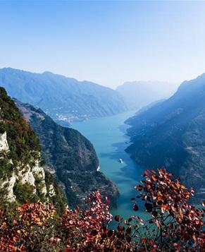 Красивые Три ущелья на реке Янцзы