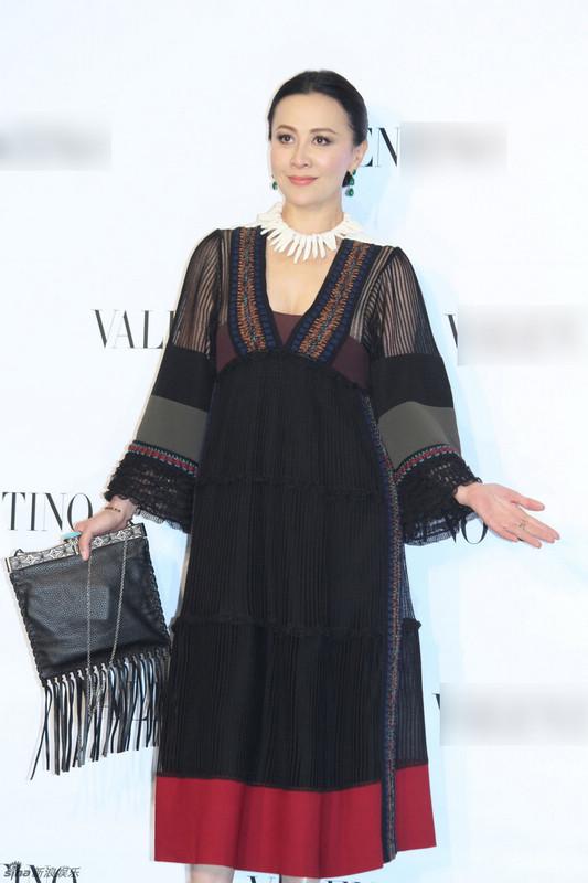 Красавица Лю Цзялин на коммерческом мероприятии