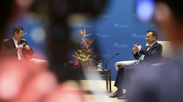 Ли Кэцян встретился с почетным председателем правления Тайваньского фонда общего рынка двух берегов Тайваньского пролива Сяо Ваньчаном
