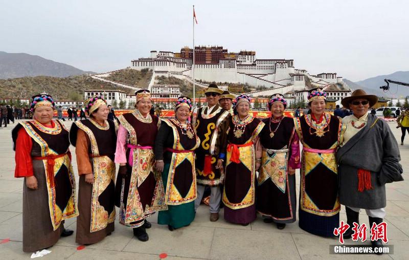 В Тибете отметили День освобождения тибетцев от крепостного рабства