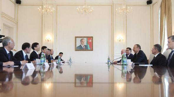 Встреча президента Азербайджана И.Алиева со специальным посланником председателя КНР, членом Политбюро ЦК КПК Мэн Цзяньчжу