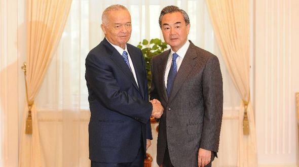 Президент Узбекистана И.Каримов встретился с министром иностранных дел КНР Ван И