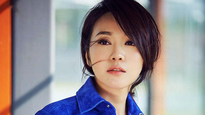 Телезвезда Янь Ни в летних фото
