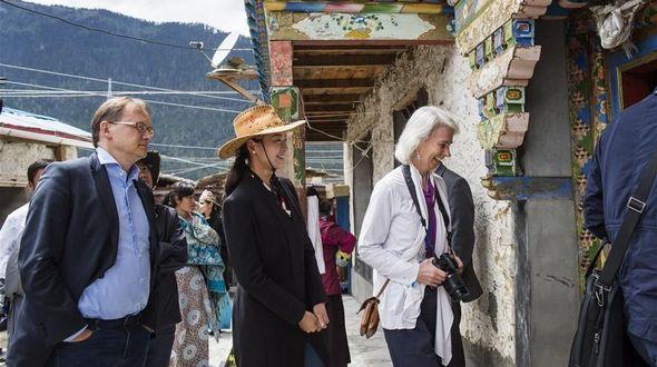 Линьчжи /Тибет/, 30 мая /Синьхуа/ -- 29 мая представители ООН, находящиеся в Китае для участия в международном симпозиуме по претворению в жизнь Повестки дня в области устойчивого развития на период до 2030 года, прибыли в тибетский город Линьчжи с инспекцией. -0-
