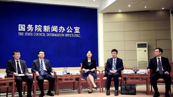 Государственный долг КНР быстро растет, однако риски остаются контролируемыми