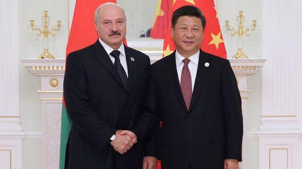 Председатель КНР Си Цзиньпин встретился с президентом Беларуси А. Лукашенко