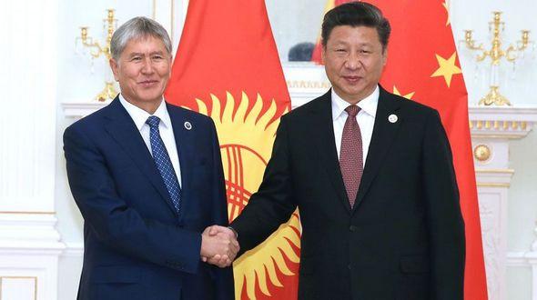 Си Цзиньпин встретился с президентом Кыргызстана А. Атамбаевым