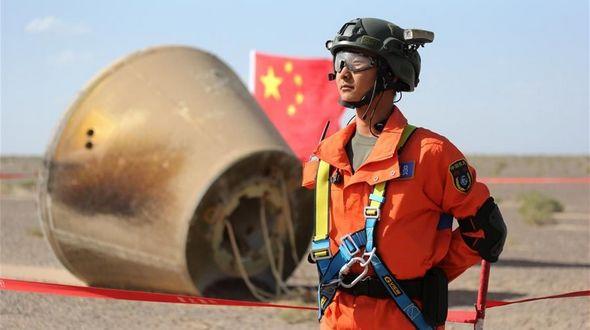 Возвращаемая капсула многофункционального космического аппарата доставлена на Цзюцюаньский космодром