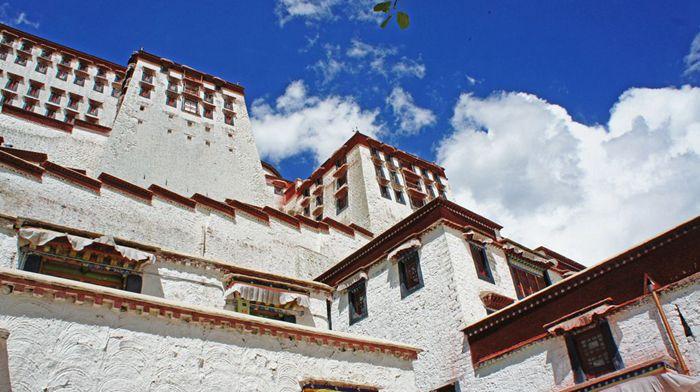 В первом полугодии Тибет посетили 6,8 млн туристов
