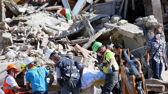 Число жертв землетрясения в центральной части Италии возросло до 73 человек