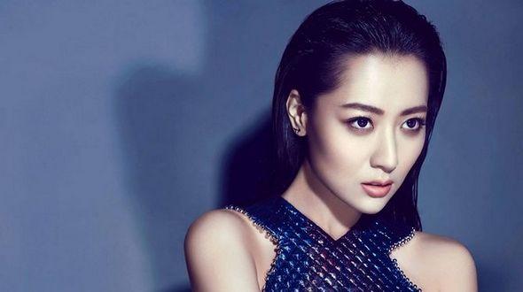Очаровательная актриса Бай Бин