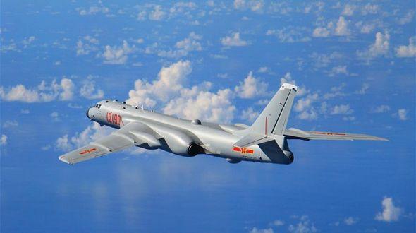 Жители Китая увидят вблизи грозную воздушную машину -- бомбардировщик 'Хун-6К'