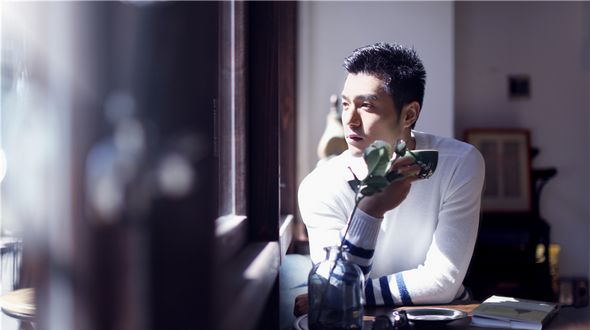 Обаятельный актер Сюй Шаоцзэ