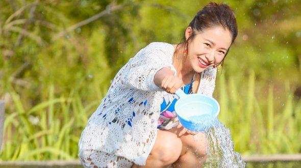 Летняя фотосессия актрисы Цзян Иянь