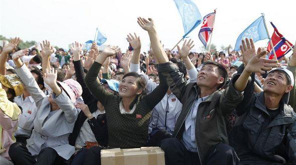 В КНДР прошло первое в истории страны авиашоу