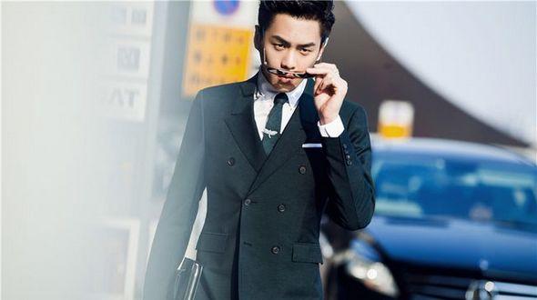 Чжан Жоюнь: главное, чтобы костюмчик сидел