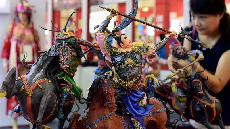 На 4-м ЭКСПО нематериального культурного наследия Китая всевозможные произведения искусства привлекали внимание множества посетителей