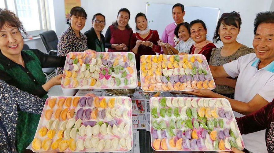 Пятицветные пельмени на День пожилых людей