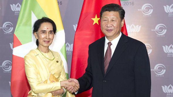 Председатель КНР Си Цзиньпин встретился с государственным советником Мьянмы Аун Сан Су Чжи