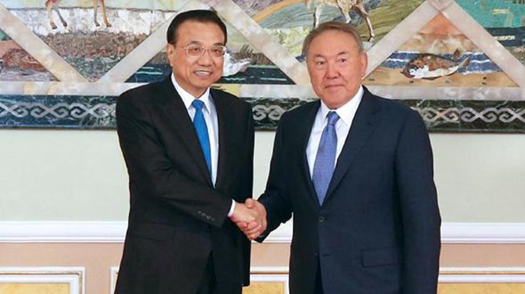 Ли Кэцян встретился с президентом Казахстана Н.Назарбаевым