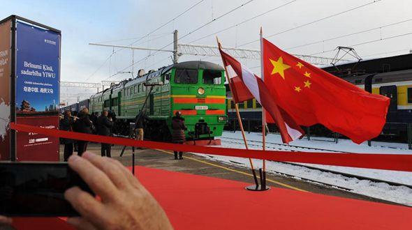 В Ригу прибыл грузовой поезд с товарами из Китая
