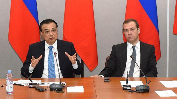 Главы правительств КНР и РФ совместно встретились с журналистами