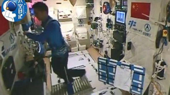 Космический дневник -- Китайский космонавт впервые занялся бегом на орбите