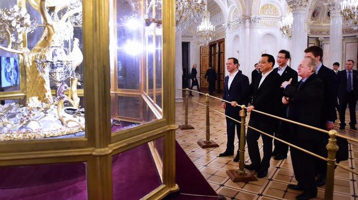 Китайско-российское сотрудничество входит в русло динамичного развития, премьеры двух стран реализуют дипломатию посещения родины