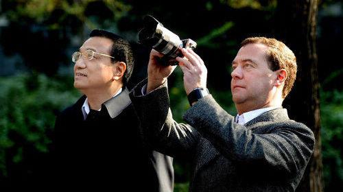 Анализ: почему регулярная встреча премьеров Китая и России произошла в Санкт-Петербурге?