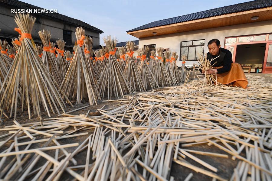 Зонтики из уезда Цзинсянь -- узнаваемый образ Китая