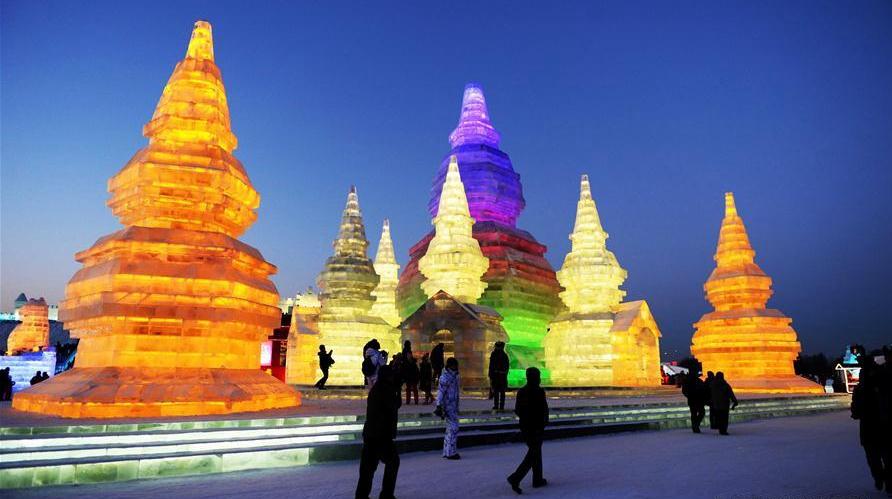 'Мир льда и снега' открылся для посетителей